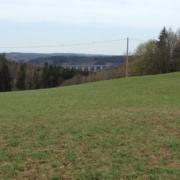 04-Blick_ins_Triebel-Elstertal_und_Brücke_Pirk