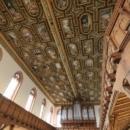 01-Holzdekorationsdecke_in_der_Kirche