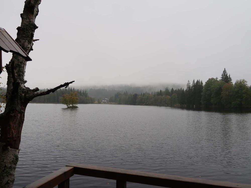 Bild03-Der_Kladska-See_tief_im_Nebel