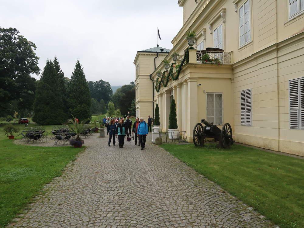 Bild06-Am_Schloss_Kynzvart